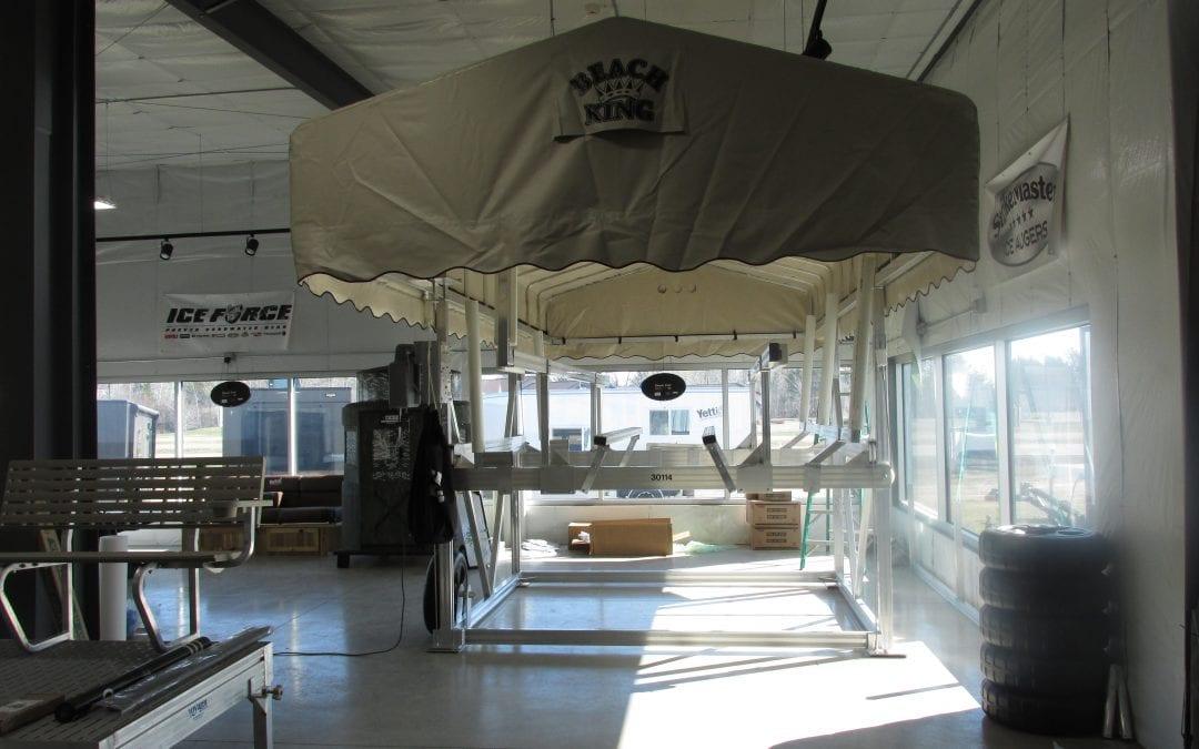 30114 Beach King Boat / Pontoon Lift